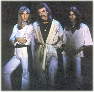 http://www.rocktownhall.com/blogs/media/blogs/rth/Rush2112.jpg